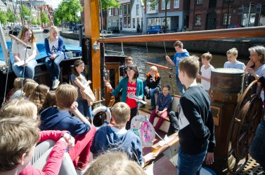 The Science LinX live project takes scientists and visitors out of campus, onto surprising locations such as canal boats or private kitchens.
