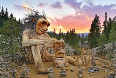 Trolls by Thomas Dambo. Photo credit: Thomas Dambo / Imagine Exhibitions