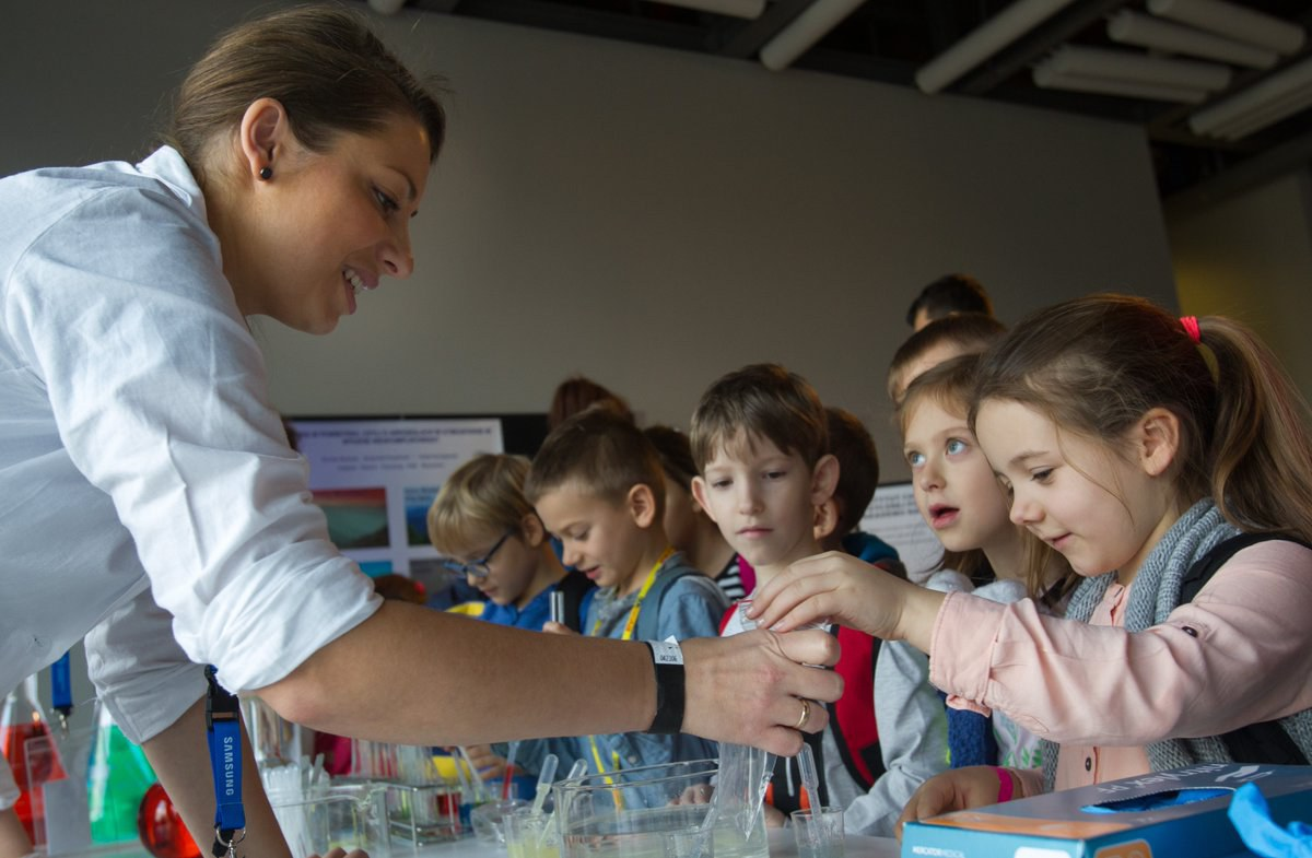 #ISCSMD example: 34 Polish science centres and dozens of partners nation-wide partnered up to offer activities. Here at the Copernicus science centre in Warsaw